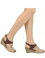 Skórzane sandały na koturnie Karino