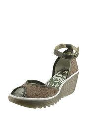 Zamszowe sandały na koturnie FLY London